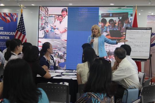 Buổi hội thảo quy tụ 64 giáo viên tiếng Anh tại các trường THPT tại TPHCM. Ảnh: Thu Hằng