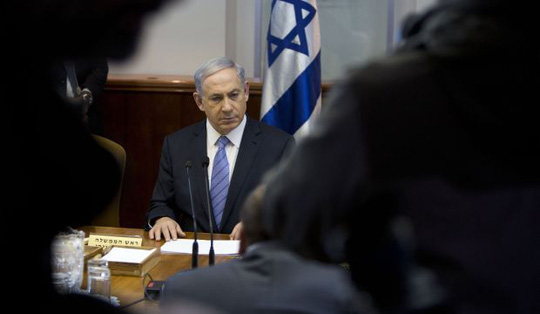 Israels Prime Minister Benjamin Netanyahu attends the weekly cabinet meeting in his office in Jerusalem, on January 4, 2015. (Reuters/Oded Balilty/Pool)