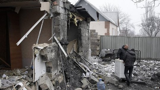 Homes damaged by shelling in Donetsk. 19 Jan 2015