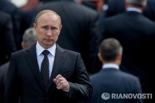 Путин освободил от должности порядка 20 генералов