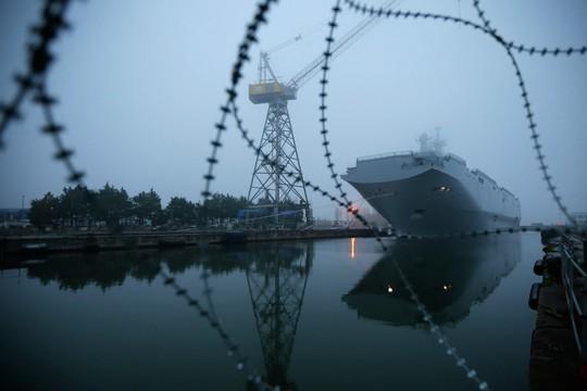 Tàu sân bay trực thăng lớp Mistral tại xưởng đóng tàu STX Les Chantiers de l'Atlantique ở Saint-Nazaire (Phap) Ảnh: