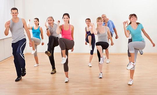 Nhóm tập thể dục giúp bản thân vào đi vào nề nếp