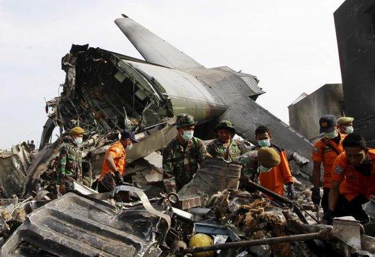 Chiếc máy bay gặp nạn hôm 30-6. Ảnh: Reuters