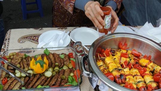 30 Đại sứ vào bếp ủng hộ trẻ em nghèo