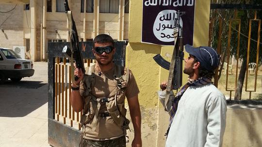 Sẽ rất khó tiêu diệt nếu IS cứ tuyển ngoại binh. Ảnh: Reuters