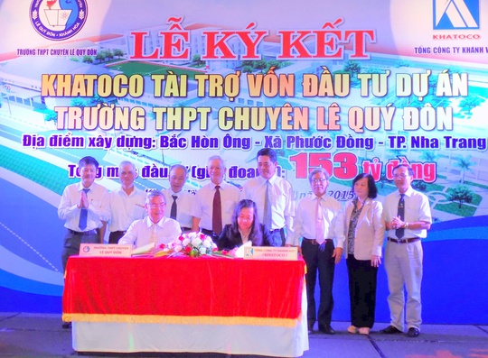Lễ ký kết giữa nhà trường và Khatoco