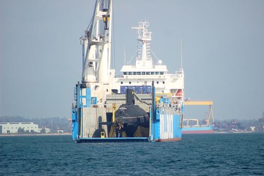 Tàu ngầm kilo HQ 184 – Hải Phòng lộ diện