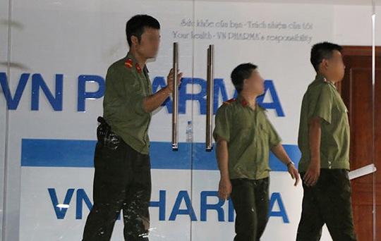Cơ quan an ninh điều tra Bộ Công an thực hiện lệnh bắt khẩn cấp ông Nguyễn Minh Hùng, Chủ tịch HĐQT kiêm Tổng giám đốc Công ty VN Pharma, tối ngày 19-9-2014