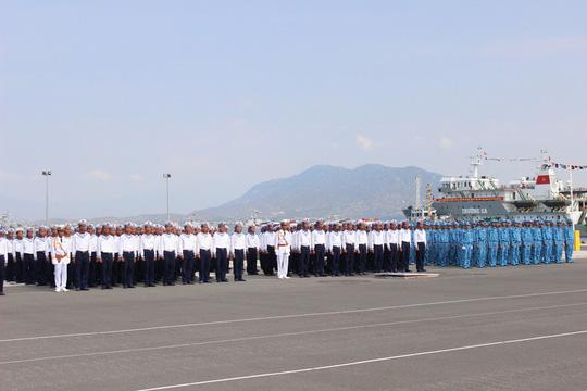 Quân chủng hải quân tổ chức lễ duyệt đội ngũ, phương tiện trên bộ và duyệt đội hình trên biển của các lực lượng hải quân vào sáng 2-5