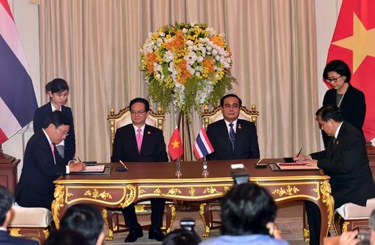 Lễ ký Tuyên bố chung về cuộc họp Nội các chung Việt Nam - Thái Lan lần thứ 3