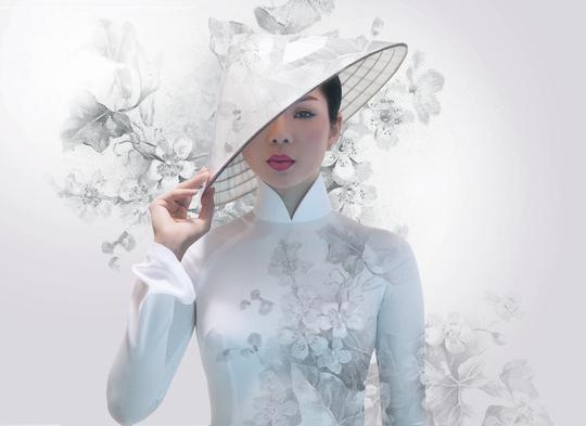 Lệ Quyên trở lại trong album mới Khúc tình xưa 3 với tiếng hát đang độ chín và những hình ảnh đơn giản nhưng ấn tượng