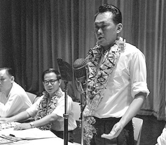 Singapore giành quyền tự trị trong mọi lĩnh vực của đất nước ngoại trừ quốc phòng và ngoại giao, Lý Quang Diệu trở thành Thủ tướng đầu tiên của quốc gia này vào ngày 3-6-1959. Ảnh: The Online Citizen