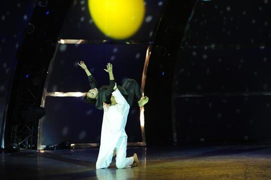 Những bước nhảy điêu luyện của các vũ công trẻ