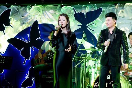 Lệ Quyên và Quang Linh song ca