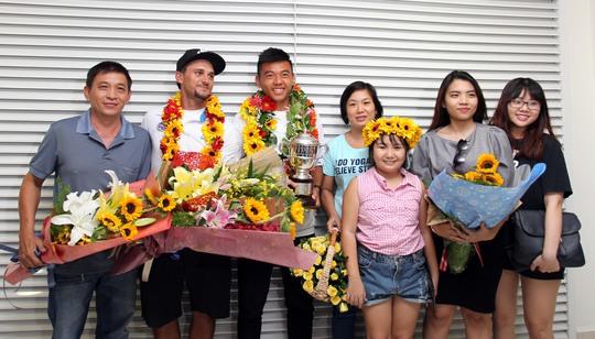Lý Hoàng Nam hạnh phúc cùng gia đình