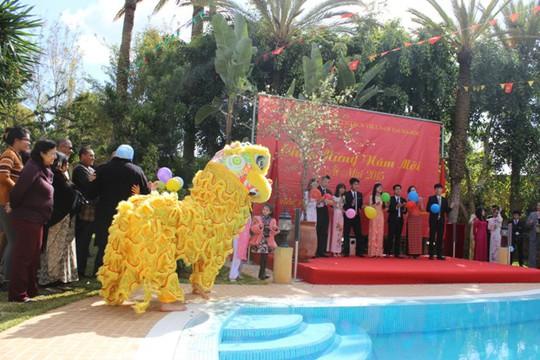 Đại sứ quán Maroc đã lồng ghép vào buổi đón xuân 4 phòng triển lãm trưng bày