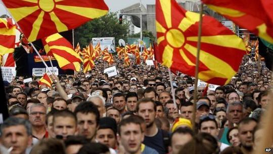 Một cuộc biểu tình của phe đối lập ở Skopje hôm 17-5. Ảnh: AP