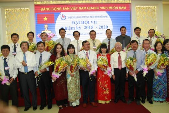 Ban Chấp hành Hội Nhà báo TP HCM khóa VII gồm 21 thành viên ra mắt đại hội