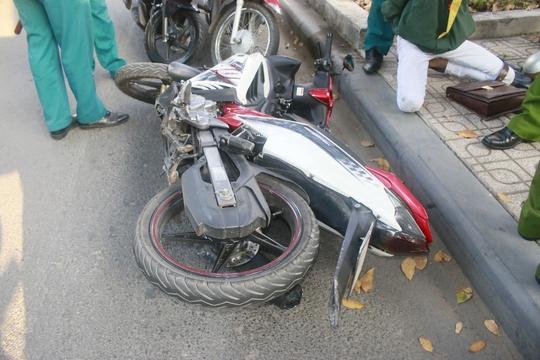Chiếc xe gắn máy của nhóm cướp tham gia gây án