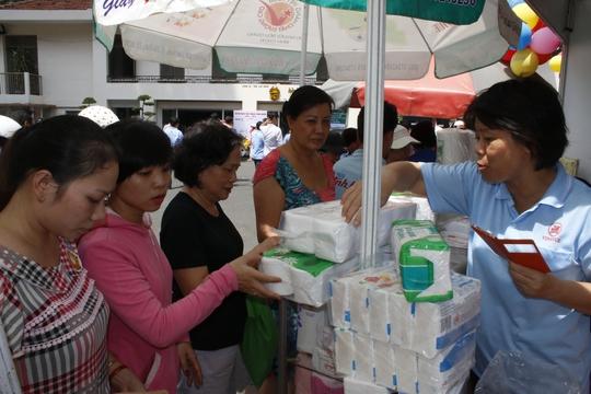 786.586 đoàn viên được hưởng lợi từ chương trình hợp tác chăm lo - Ảnh 1.