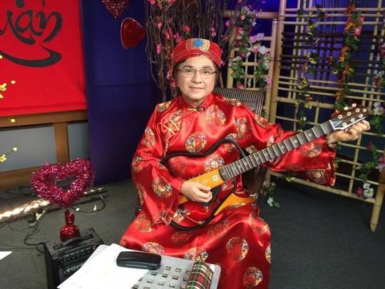 Chí Tâm giới thiệu cổ nhạc và Đờn ca tài tử Nam Bộ tại Mỹ trong chương trình Tiếng tơ đồng