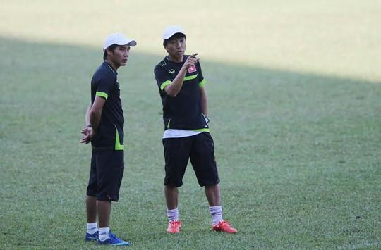 HLV Miura vẫn giấu kỹ đội hình xuất phát cho đến giờ phút cuối
