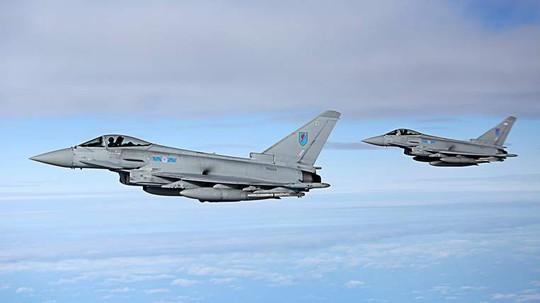 Chiến đấu cơ Typhoons của Anh. Ảnh: Sky News