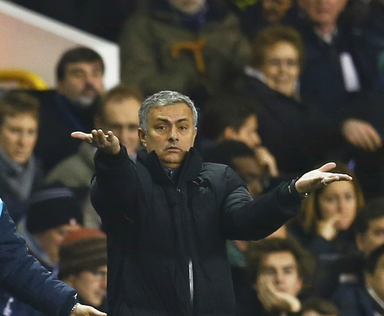 HLV Mourinho ít khi xin lỗi trọng tài