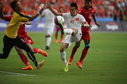 Thủ môn của U23 Myanmar làm nản lòng các chân sút Việt Nam