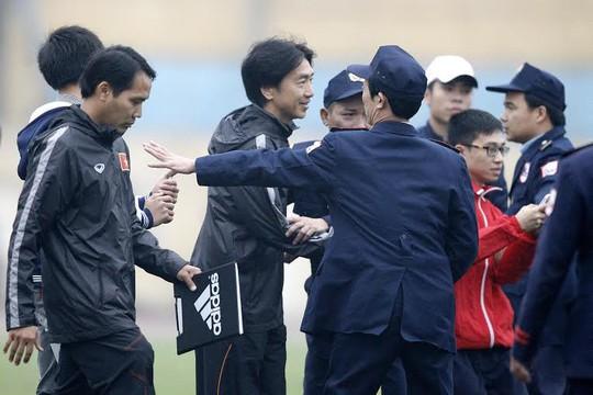 HLV Miura có màn ra mắt Olympic Việt Nam thành công