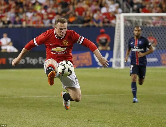 Rooney tiếp tục đá trung phong
