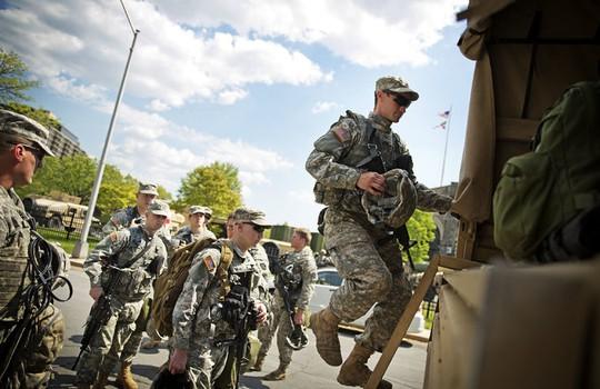Vệ binh Quốc gia Mỹ bắt đầu rút khỏi Baltimore ngày 3-5. Ảnh: Reuters