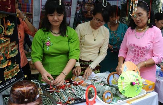 Myanmar, đất nước của chùa vàng và đá quý
