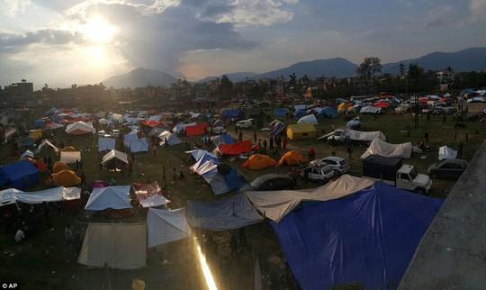 Biển lều ở Kathmandu... Ảnh: AP