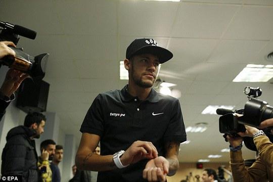 Neymar muốn Ronalodo phải chịu hình phạt nặng