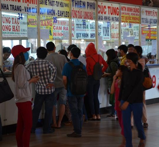 Hành khách tập trung mua vé đi những tuyến có cự ly trung bình và ngắn