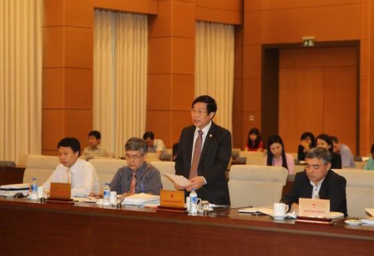 Bộ trưởng Thông tin và Truyền thông Nguyễn Bắc Son (đứng) phát biểu