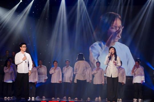 Cặp đôi Phượng - Thiện trình diễn trong đêm chung kết