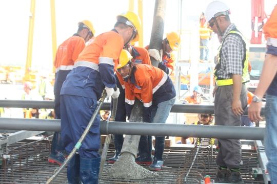 Đúc đốt dầm đầu tiên dự án metro số 1 Bến Thành- Suối Tiên