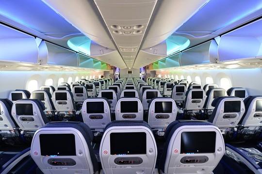 Bên trong máy bay Boeing 787-9