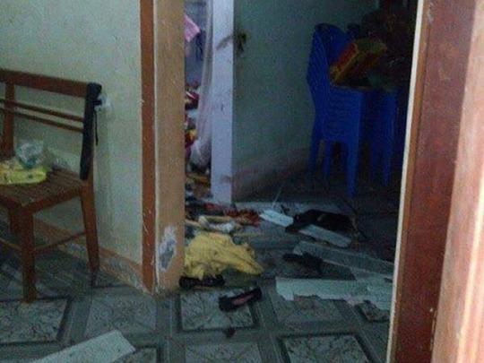 Đồ đạc trong nhà hư hỏng, đổ nát sau tiếng nổ mìn. Ảnh: Đời sống & Pháp luật