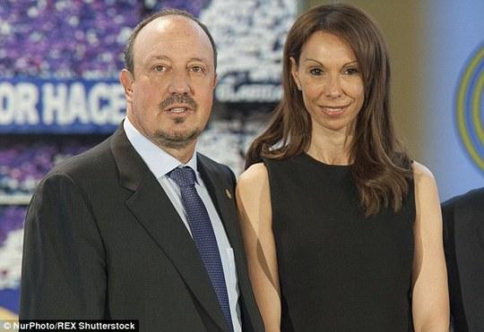 HLV Benitez và vợ Montse