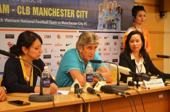 Ông Pellegrin phát biểu sau trận đấu