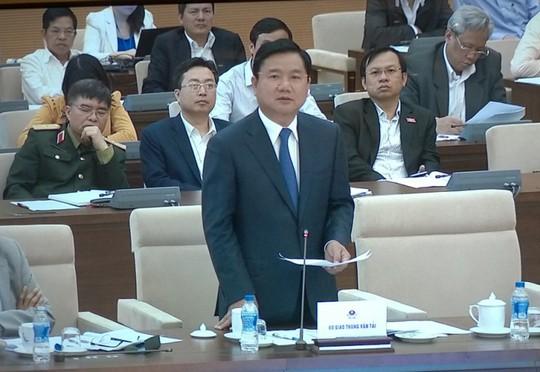 Bộ trưởng GTVT Đinh La Thăng trình bày giải trình bổ sung về báo cáo đầu tư dự án sân bay Long Thành UBTVQH sáng 26-2