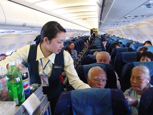 Đồng phục của tiếp viên hãng hàng không Pacific Airlines