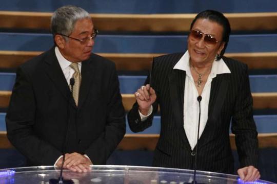 Tạ Hiền (phải) nổi giận đánh Tăng Giang (trái)
