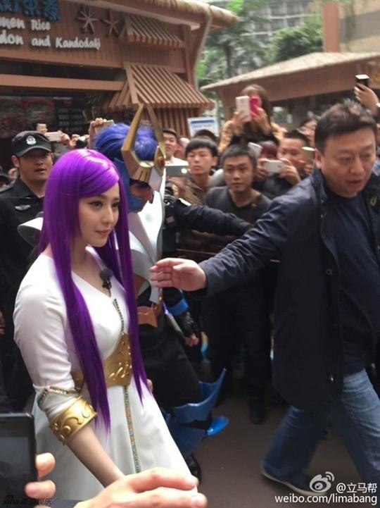 Phạm Băng Băng xinh đẹp với tóc tím