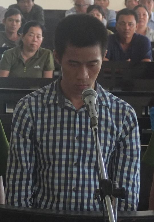 Linh trả lời thẩm vấn trước phiên tòa, sáng 18-5