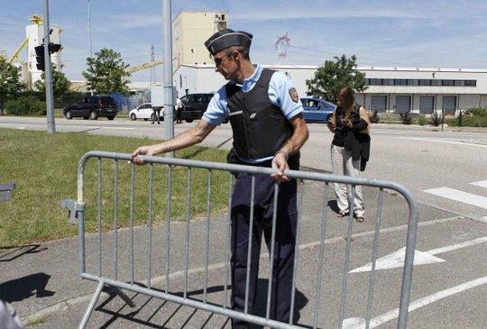 Cảnh sát đã phong tỏa hiện trường. Ảnh: Reuters