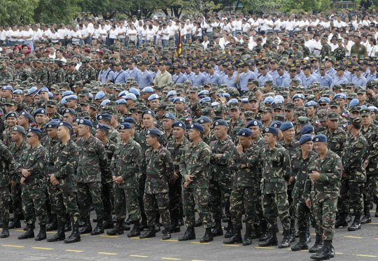 Một số lượng binh sĩ Philippines kỷ lục được huy động để bảo đảm an ninh cho chuyến thăm sắp tới của Giáo hoàng Francis. Ảnh: Reuters
